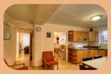 Kuchyň a vstupy do pokojů